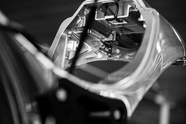 El lehgt1 december 2017 arch motorcycle build performance cruiset képzelni, mennyi forgács képződik, mire egy tank vagy farok idom elkészül