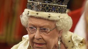 II. Erzsébet élete múlhat azon, ha meg akarja nézni a cipője orrát