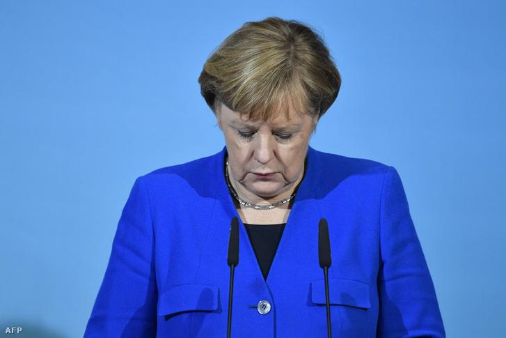 Angela Merkel német kancellár, a Kereszténydemokrata Unió (CDU) elnöke sajtótájékoztatót tart a nagykoalícióról folytatott előzetes egyeztetések végén Berlinben 2018. január 12-én.
