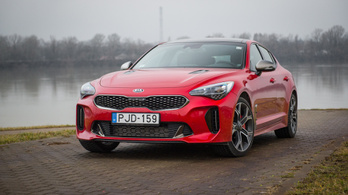 Kia Stinger 3,3 Twin-Turbo V6 AWD GT – 2018.