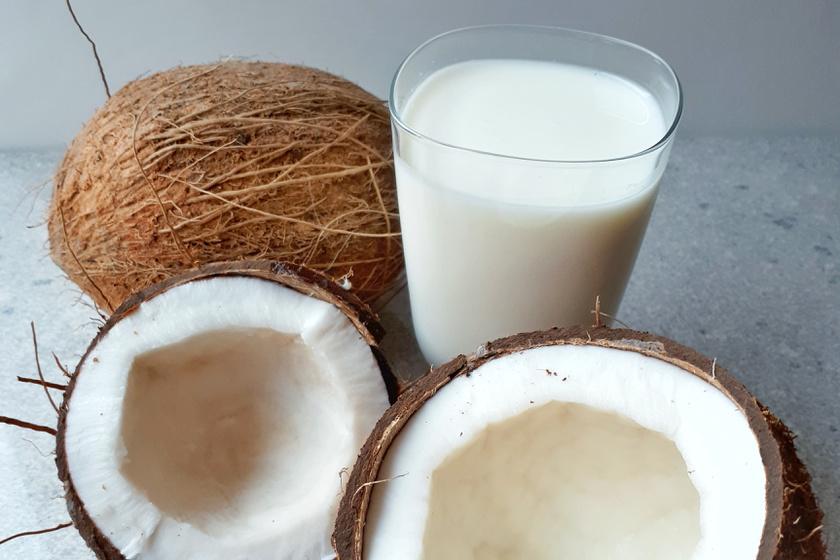 Kókusztej házilag: így váltsd ki a drága növényi tejeket saját kezűleg