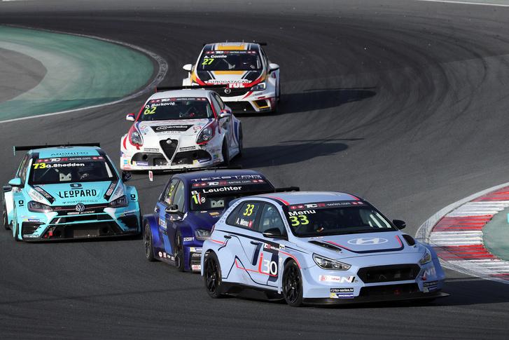 2017-2017 Dubai Race 2---33 Alain Menu 144
