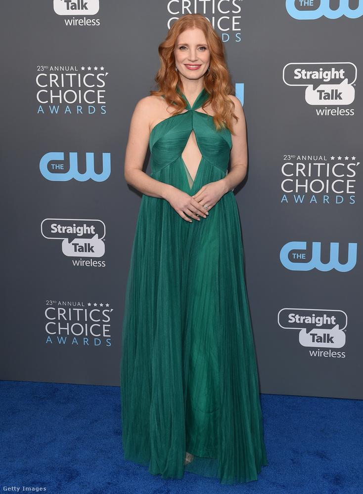 Jessica Chastain ezúttal is a haja színéhez választott magának ruhát