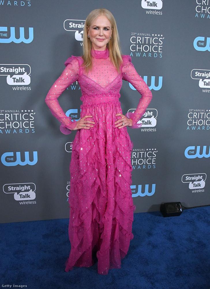 Nicole Kidman ezúttal nem a Guccinál, hanem a Valentinónál szerezte be szupernőies, fodros ruháját