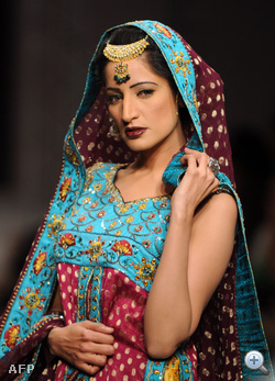 Shaiyanne Malik iszlámábádi tervező átvitte a pakisztáni hagyományokat a modern divatba