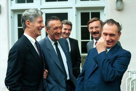 Grósz Károly és Kovács László 1988. július 24-én Soros György Long Island-i villájában (Fotó: Soós Lajos)