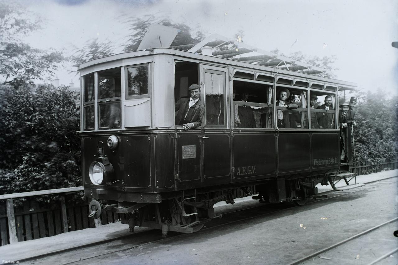 A békés megyei Alföldi Első Gazdasági Vasút (AEGV) Vásárhelyi Béla 11 jelű motorkocsija, 1916-ban.