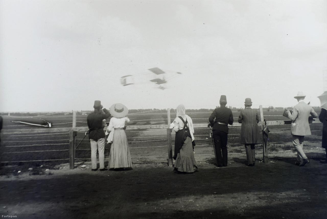 A Budapesti Nemzetközi Repülőversenyt 1910 júniusában rendezték Rákosmezőn.