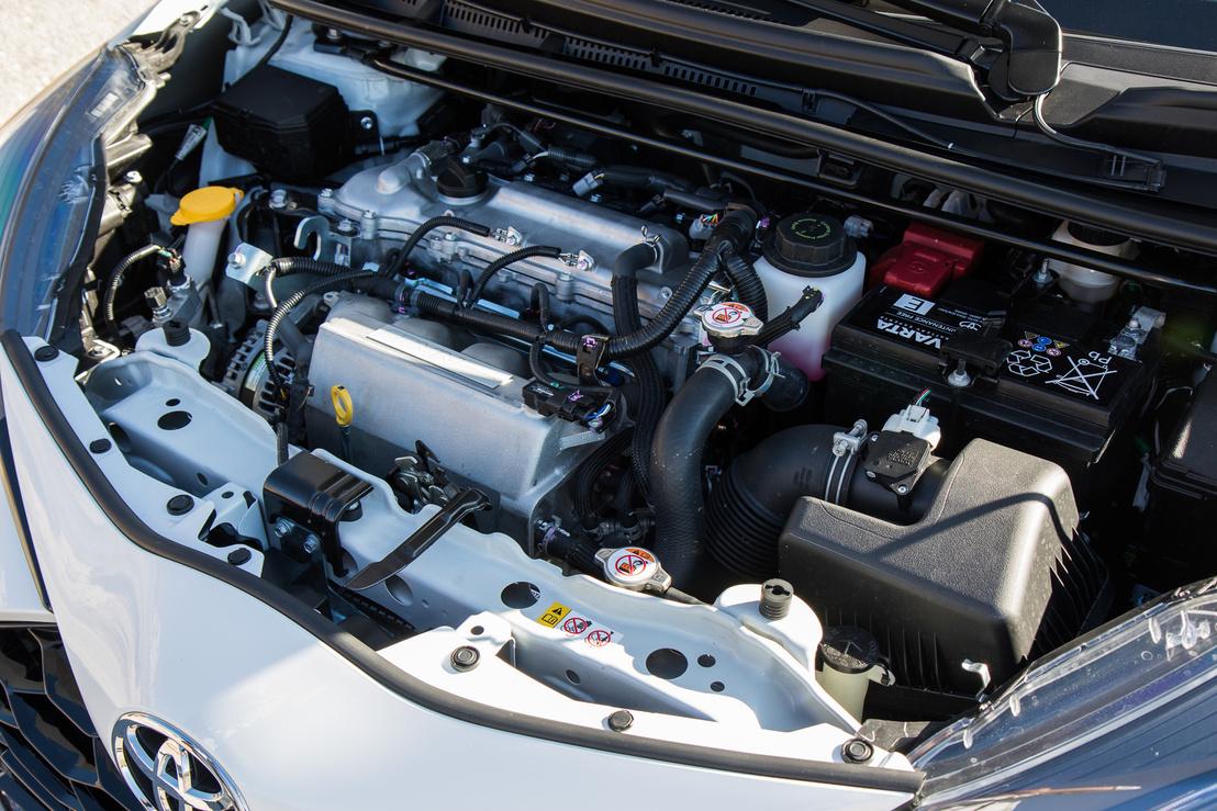 1,8-as Dual VVT-i kompresszorral: 212 lóerő és 250 newtonméter