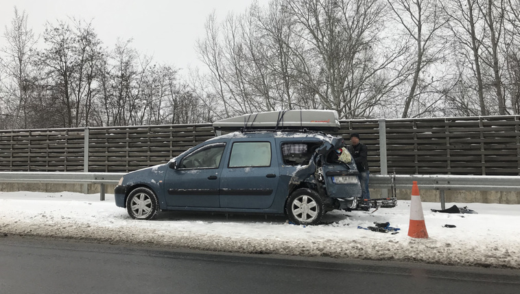 Bedugult az M5-ös egy baleset miatt