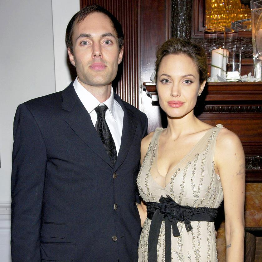 Angelina és a bátyja nagyon közel állnak egymáshoz: a színésznő imádott gyerekeire is James vigyáz.