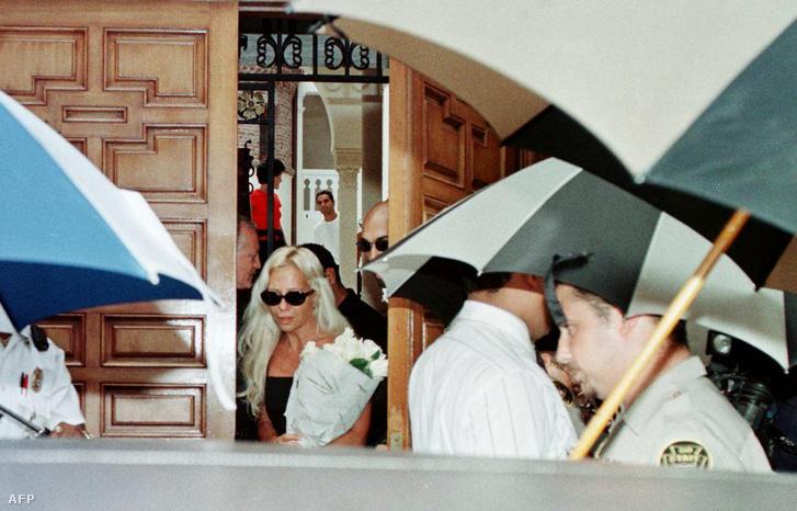 Donatella Versace, a meggyilkolt divattervező húga
