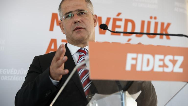 Kósa Lajosnak a miniszterség helyett más feladatot szán Orbán