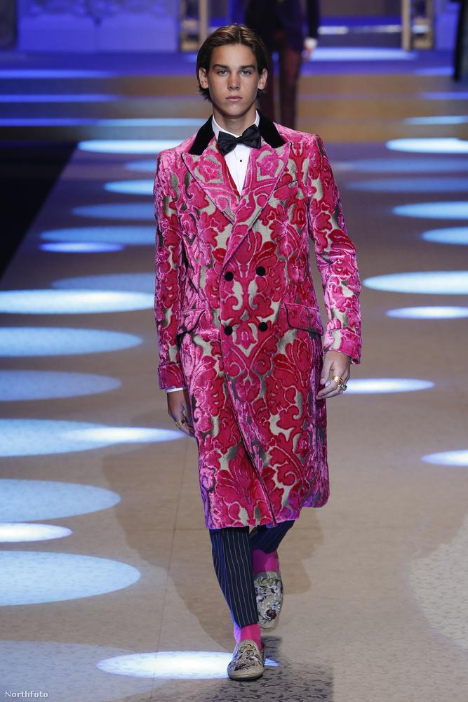 Milánóban férfidivathét van, ezek a képek onnan érkeztek, méghozzá a Dolce & Gabbana divatbemutatójáról