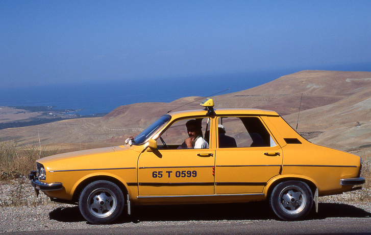 Török gyártású Oyak-Renault taxiként