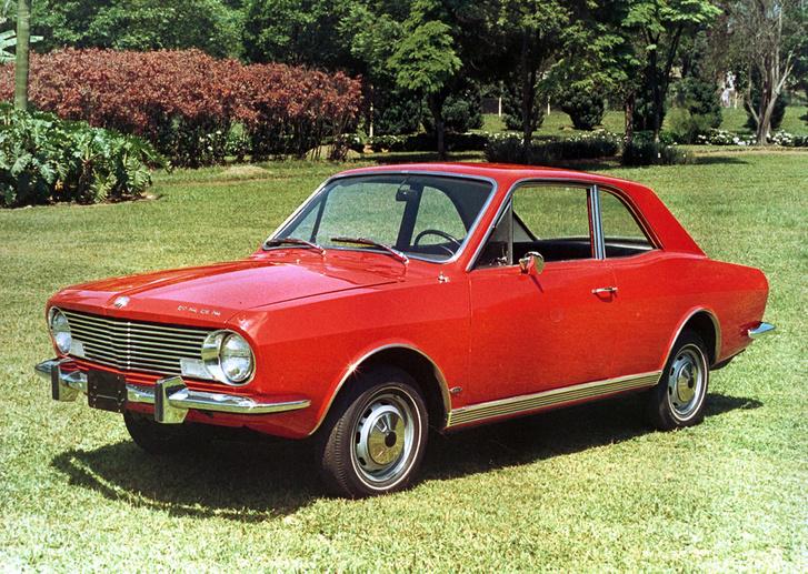 Gyári fotón a legelső Ford Corcel