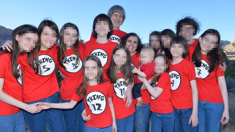 Miért kínozta 13 gyerekét a mélyen vallásos amerikai?