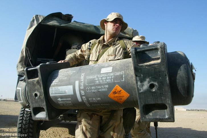Javelin páncéltörő rakéták Kuvaitban 2003-ban