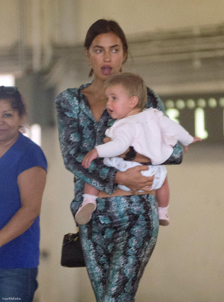 Irina Shayk és Bradley Cooper kislánya kilenc hónappal ezelőtt született, és ugyan a modell sokáig csak a szülés utáni tökéletes alakját mutogatta (bár ő nem így látta magát), hamarosan a családi idillt is megtekinthettük több ízben