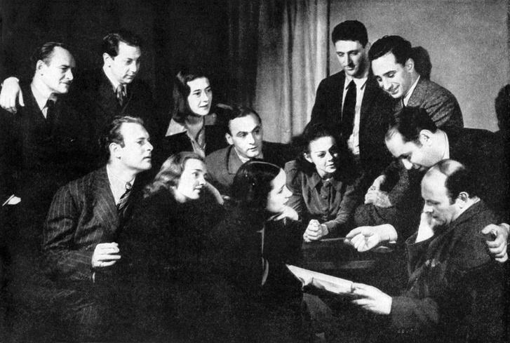 Frances Farmer és Leif Erickson (első sor, balról) a Group Theatre tagjaival, 1938