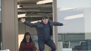 Tom Cruise a bokatörése után is kaszkadőrnek képzeli magát