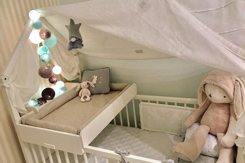 Kapócs Zsóka márciusban születendő kisfiát gyönyörűen berendezett babaszoba várja.