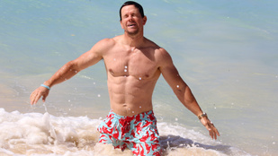 Mark Wahlberg meztelen felsőtestes izmozását elég cikinek érzi a családja