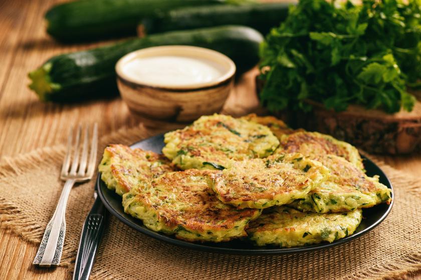 Az egyik legjobb káliumforrás a petrezselyemzöld: 100 grammonként 1000 milligrammot tartalmaz. Cukkinivel együtt, tócsniba sütve ízletes és gyors vacsora lehet.