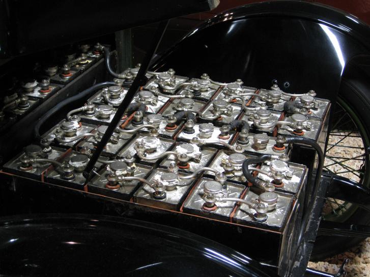 Egy Detroit Electric autó akkumulátora