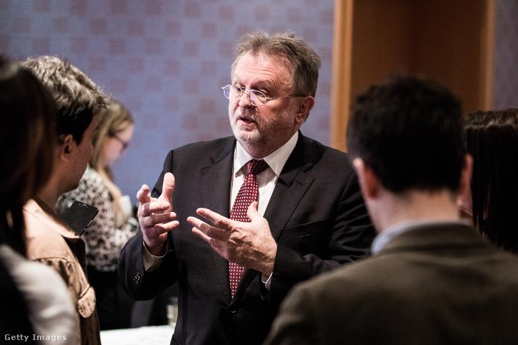 Dušan Vujović a konferencián