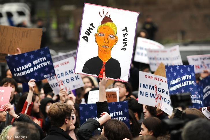Bevándorláspárti diákok tüntetnek New Yorkban, 2017 február