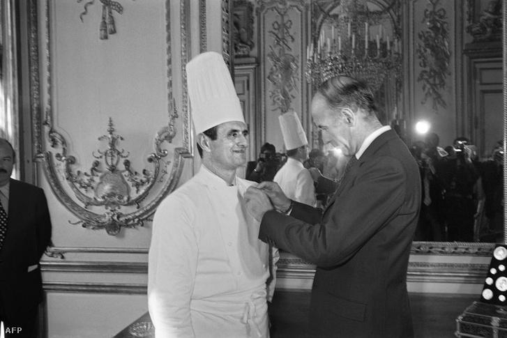 1975-ben Valery Giscard francia elnök becsületrendet adományozott Bocuse-nak