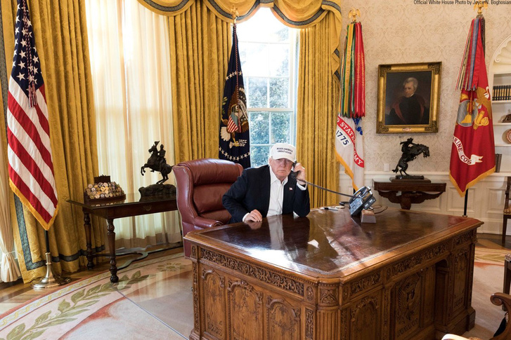 picture-of-donald-trump-working-photo