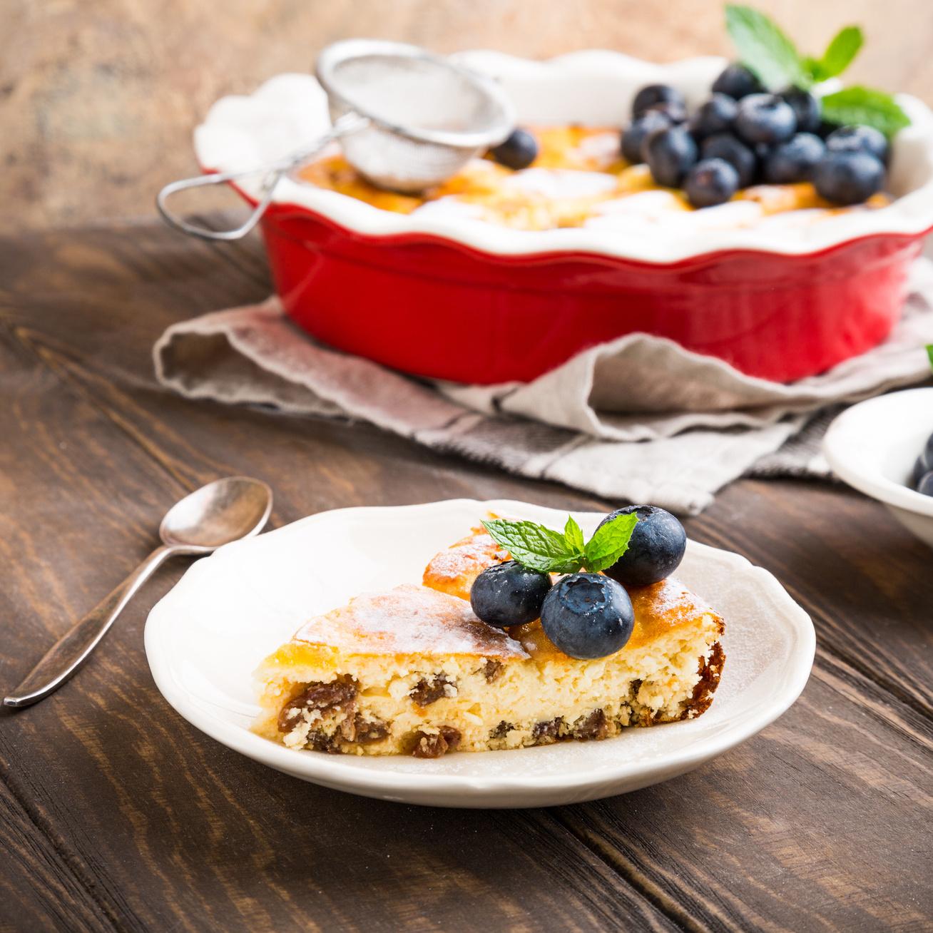 Túrós pite a lehető legegyszerűbben: csak szórd a hozzávalókat a sütőbe