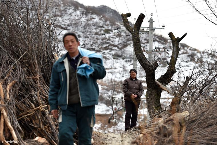 Kínai északi részén viszont van egy település, ahol a hegyekben élő embereknek házhoz jön a posta.