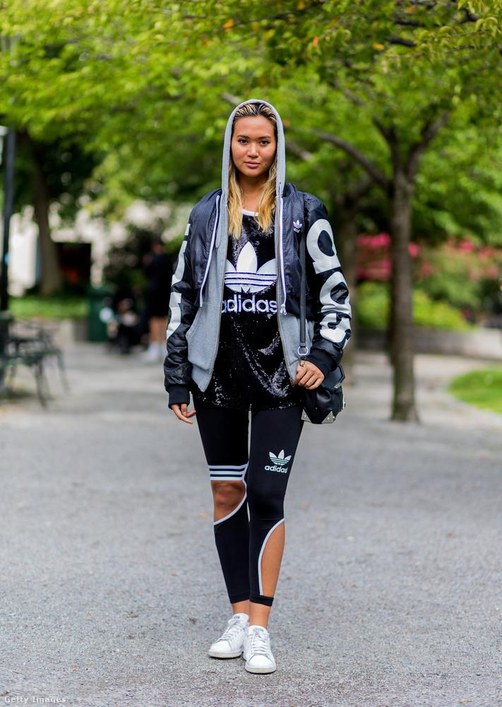 Itt-ott kivágott Adidas leggings 2017-ben Stockholmban.