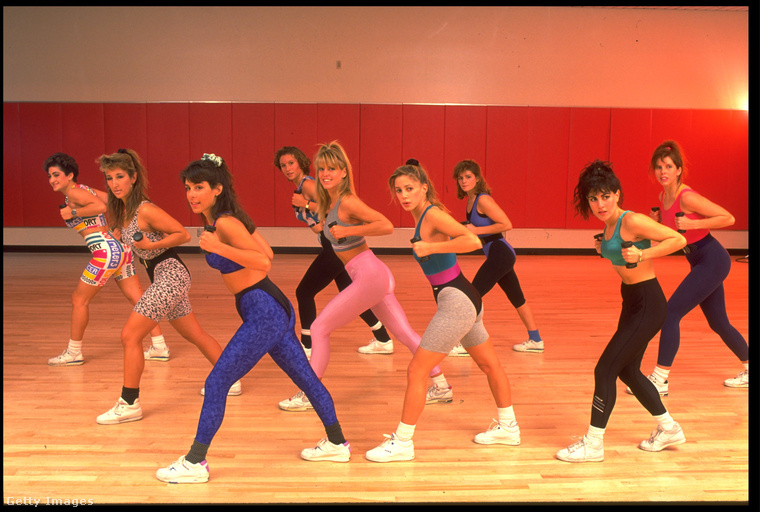 Valószínűleg az aerobic mániának köszönhetően durrant be a köztudatba a 80-as években.
