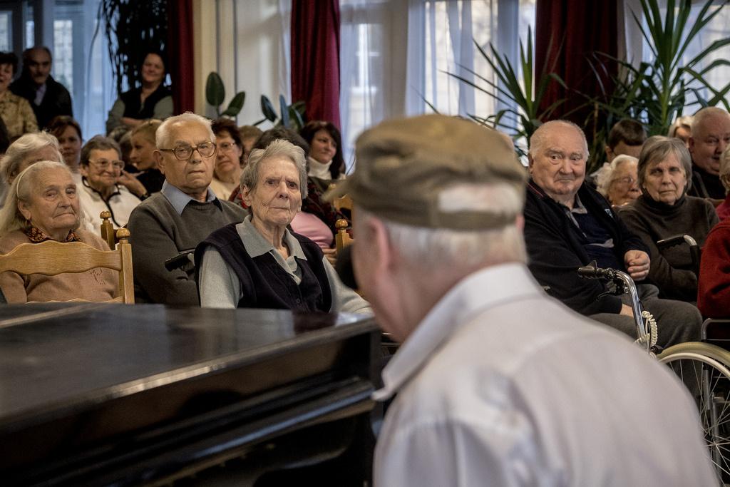 Darvas Ferenc a zongoránál