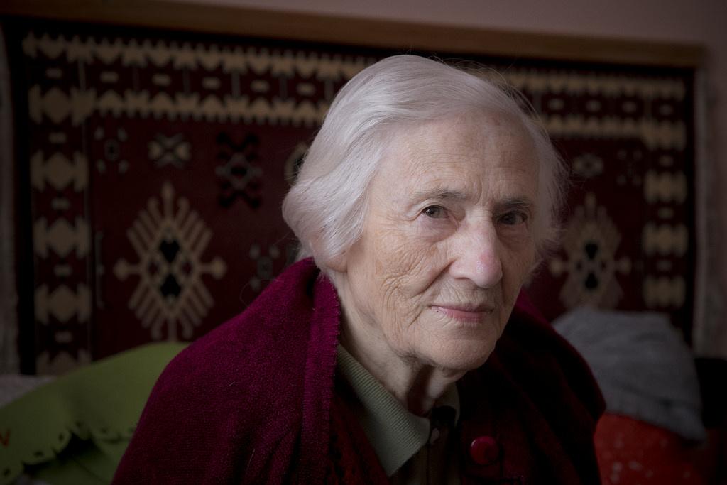 A 96 éves Gitta néni a szobájában hallgatta a műsort