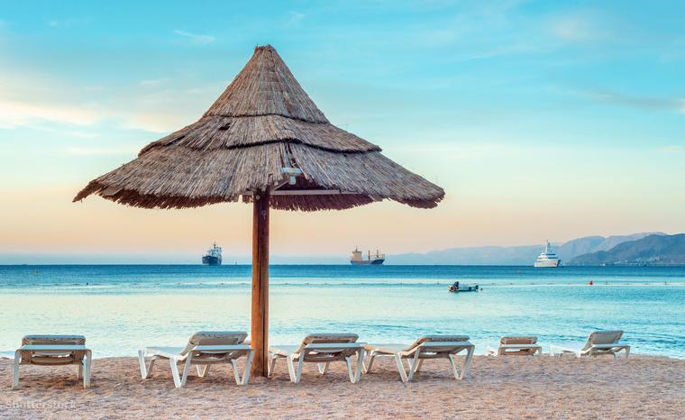Az izraeli Eilatban is egész évben szép az idő: a nyári meleget kellemesen langyos tél váltja szikrázó napsütéssel, kék éggel, 20 Celsius-fok körüli hőmérséklettel