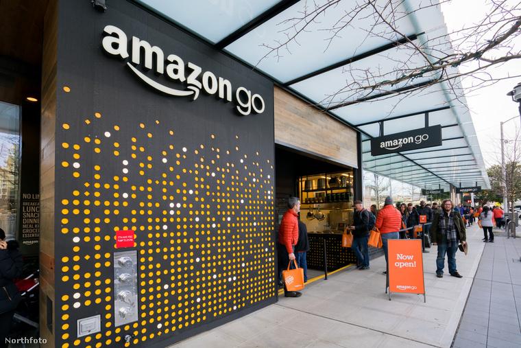 Az Amazon megnyitotta az első Amazon Go üzletét