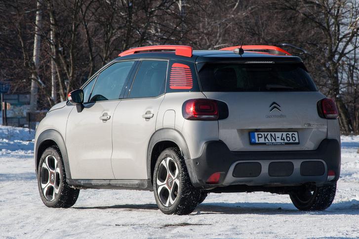 Összkerékhajtással nem elérhető a C3 Aircross –, ahogy plattformtársai, az Opel Crossland X és a Peugeot 2008 se