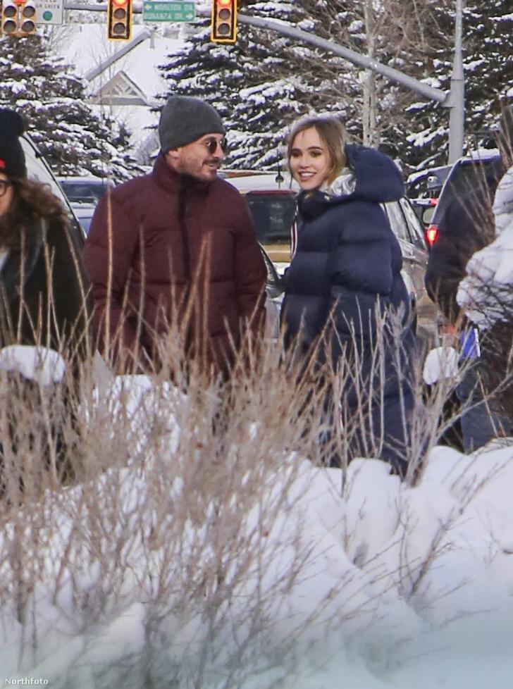 Ha a sok hóból a Sundance-re tippelt, akkor jók a megérzései, igen, Utah leghíresebb filmfesztiválján készültek most ezek a képek Aronofsky és Waterhouse romantikus sétájáról.