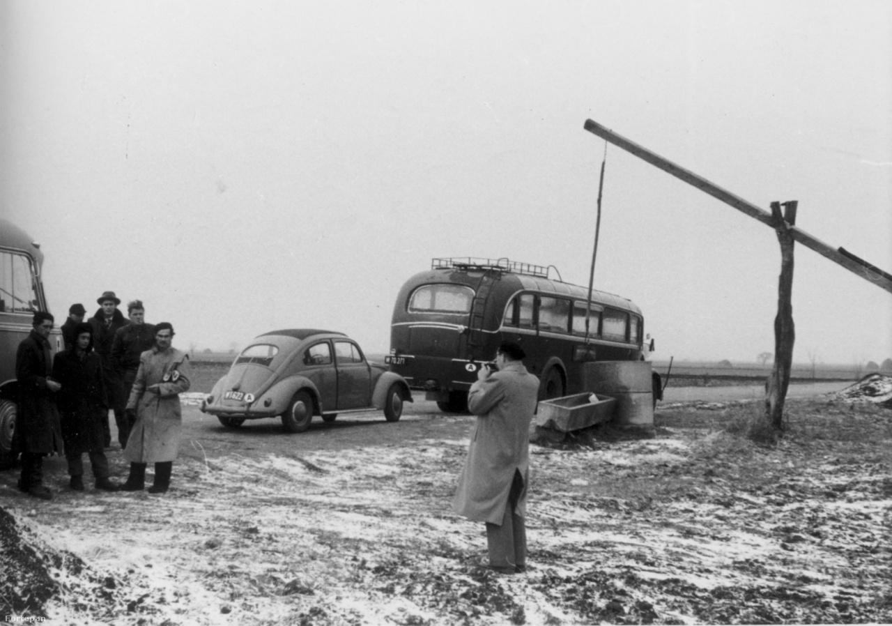 A szovjet bevonulás után Magyarországról elmenekült 200 ezernyi ember zöme, a hivatalos statisztikák szerint 173 ezren kerültek első körben Ausztriába. A következő hónapok az ő továbbszállításukról és végleges elhelyezésükről, letelepedésükről szóltak. Ez a nemzetközi menekültpolitika szempontjából is óriási volument és újfajta együttműködést jelentett. A menedékhez való jog a világháború után került be az Emberi Jogok Egyetemes Nyilatkozatába, és az 1951-es genfi Menekültügyi Konvenció számára is a magyar áradat kezelése jelentette az igazi tűzkeresztséget.