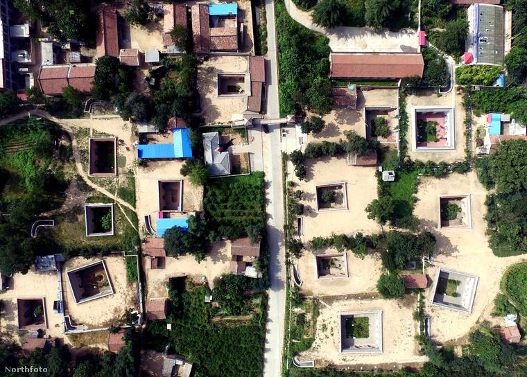 Ezen a fotón a Kínában található Qucun falut láthatja, a magasból