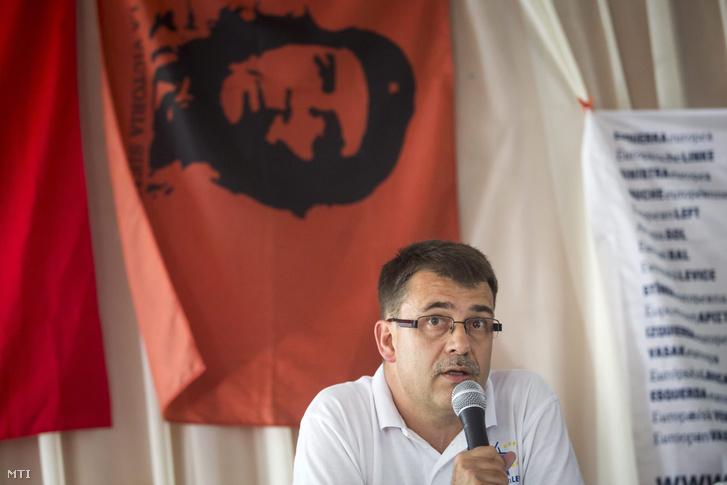 Vajnai Attila az Európai Baloldal - Munkáspárt 2006 elnöke az Európai Baloldal Baloldali Sziget Fesztivál című rendezvényén a Szigetmonostorhoz tartozó Horányban 2015. augusztus 28-án.