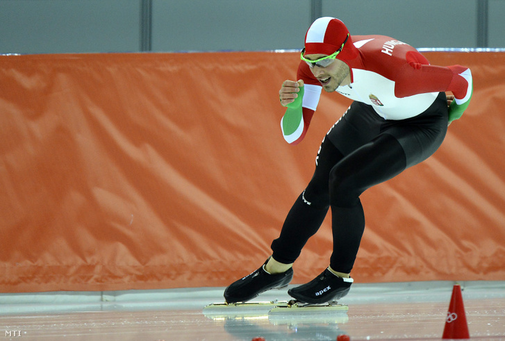 Nagy Konrád a 2014-es szocsi téli olimpia férfi gyorskorcsolyázók 1500 méteres számának 8. futamában a szocsi Adler Arénában 2014. február 15-én.