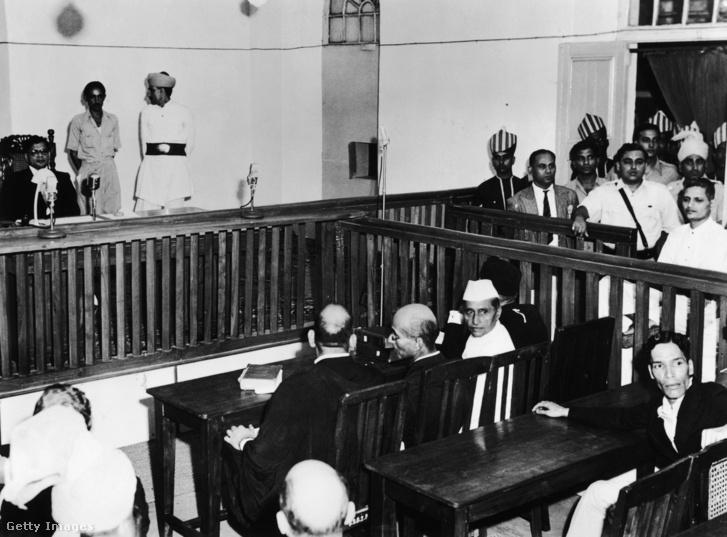 Nathuram Vinayak Godse a bíróság előtt 1948. május 27-én