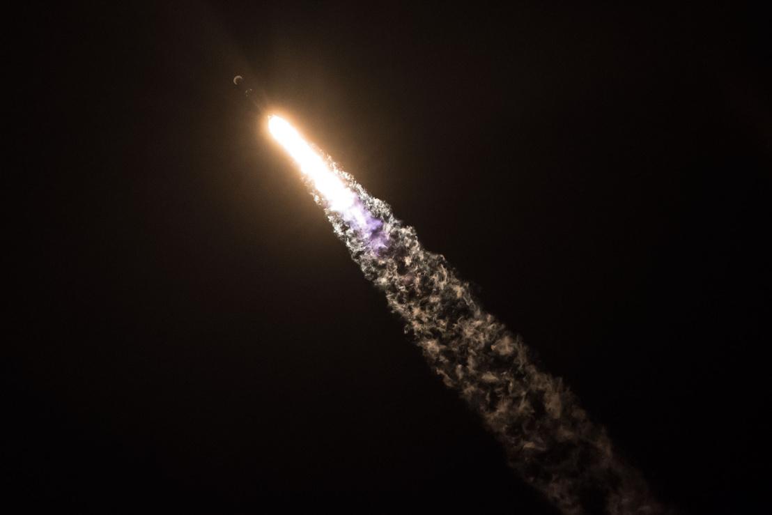 Viszi a Falcon-9 a Zumát az űrbe