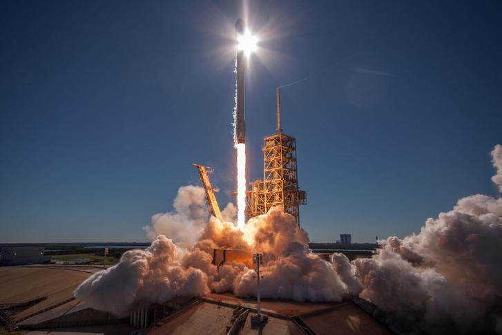 Falcon-9 start (Koreasat-5A, 2017. október 30.)